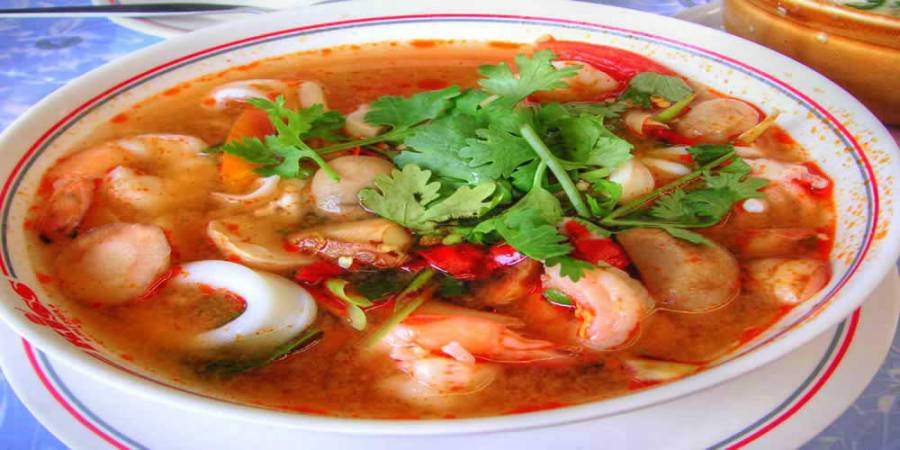 One of my new favorite comfort foods: lemongrass soup with shrimp nomnom