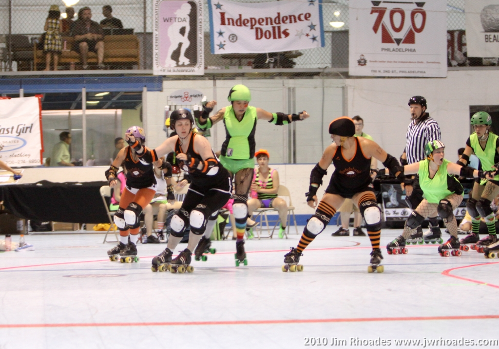 RollerCon2014 Merry Khaos New Skater Survival: Scrimmage Tips