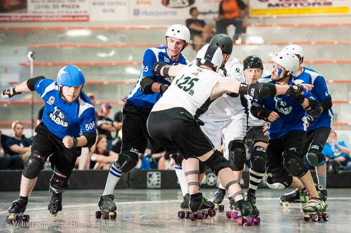 No Big Deal takes the outside lane at the championship bout of Mohawk Valley Cup. Photo by Hispanic Attack.