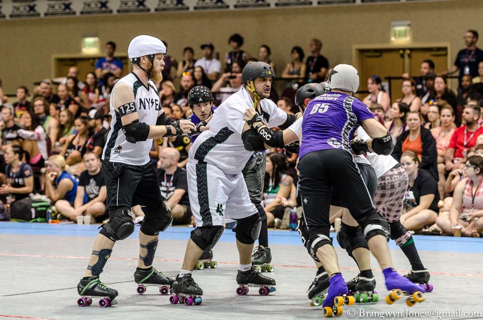 NYSE works as a team against Bridgetown Menace at RollerCon. Photo by Brangwyn Jones.