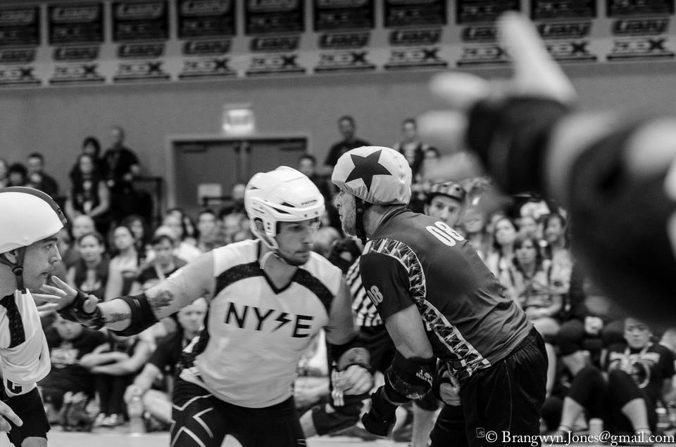 KenboSlice goes toe to toe with Menace at RollerCon. Photo by Brangwyn Jones.